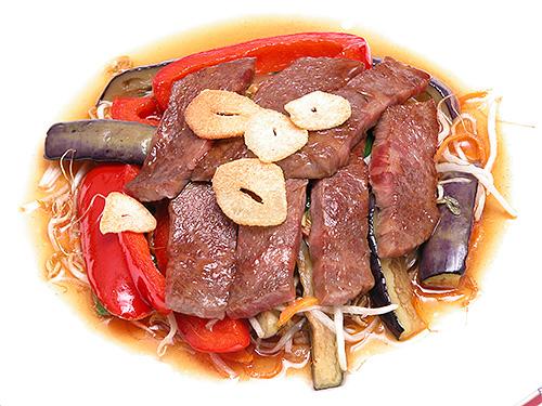 夏野菜とカルビのガーリック焼