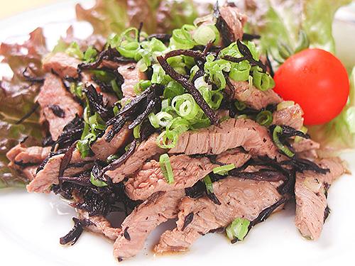 牛肉とひじきの胡麻風味煮