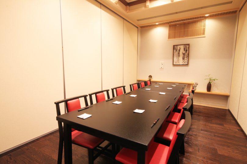 テーブル-半個室